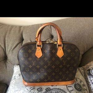 Authentic LOUIS VUITTON ALMA Handbag monogram